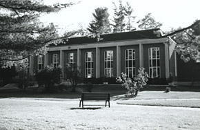 Bishop's University library