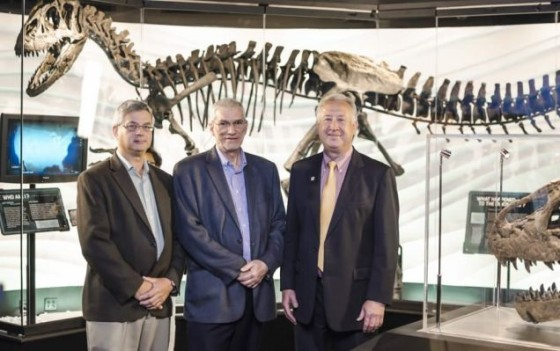 "The allosaur ""Ebenezer"" with ""geologist"" Andrew Snelling, Ken Ham, and racist Michael Peroutka, the donor"